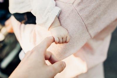 Waarom ik mijn dochter liet dopen (+ video)