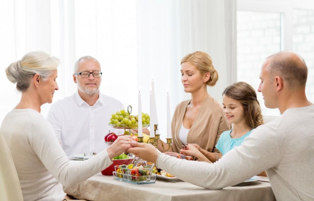 Wanneer en hoe begin je met je kinderen met bidden?