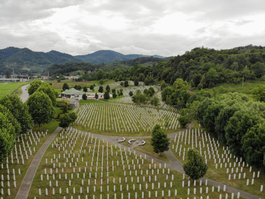 25 jaar Srebrenica: als schapen onder de wolven