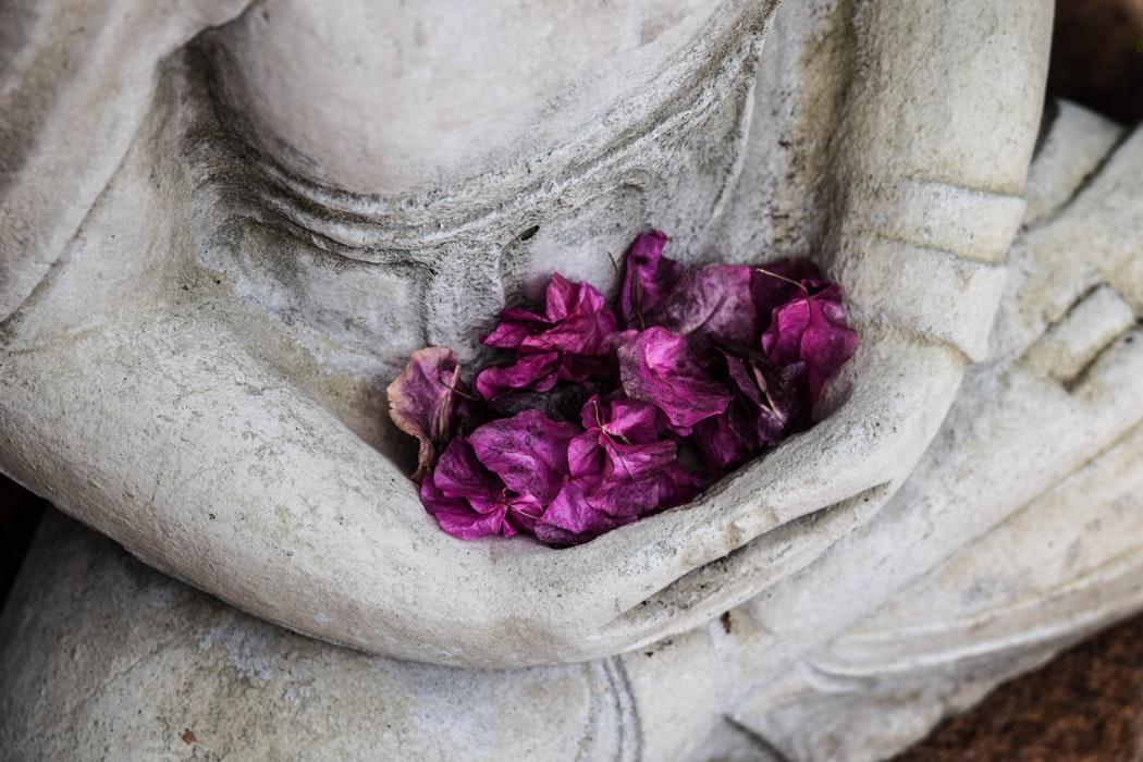 Boeddhisme en christendom: de verschillen en overeenkomsten